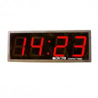 Crossfit timer med letlæselige tal og i praktisk metalramme. Inklusiv fjernbetjening og batterier.