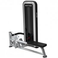 Rygmaskine roning til træning af ryg og arme.