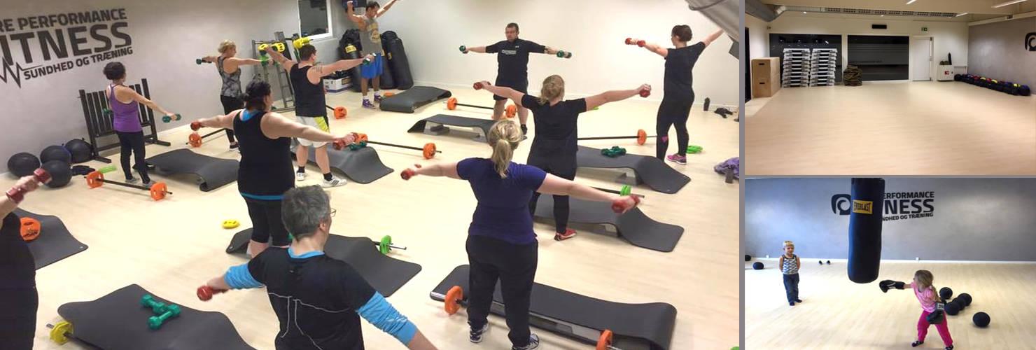 Motionsrum med udstyr til holdtræning